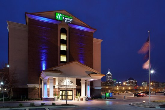 Holiday Inn Express Indianapolis Downtown City Centre: Holiday Inn Express & Suites is near the Indiana Convention Center