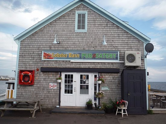 Lobster Barn Pub and Eatery: Exterior