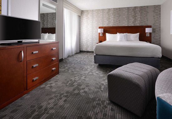 Pearland, TX: King Suite Bedroom