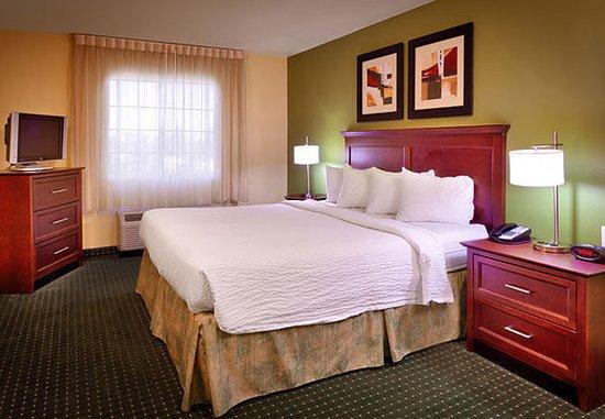 Meridian, ID: One Bedroom Suite - Bedroom