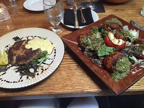 Warrensburg, نيويورك: Brunetto's Restaurant & Lodging