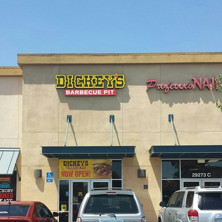 Lake Elsinore, CA: Dickey's Barbecue Pit
