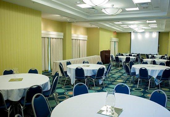 Hampton, VA: Meeting Room – Banquet Setup