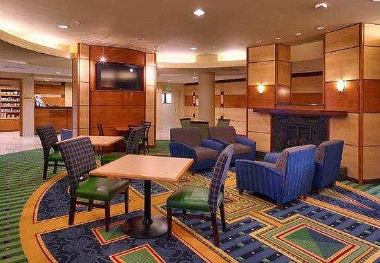 Lehi, UT: Breakfast Seating Area