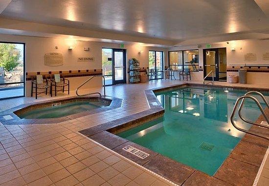 Lehi, UT: Indoor Pool & Hot Tub
