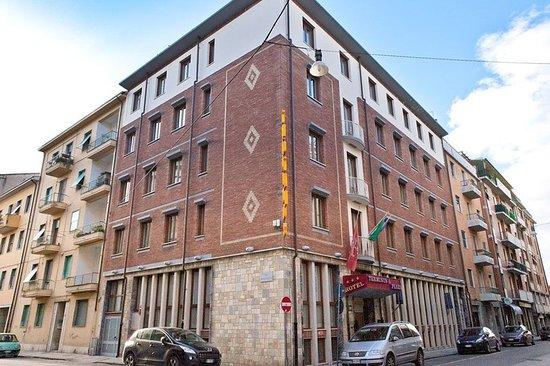 Photo of Hotel Terminus & Plaza Pisa
