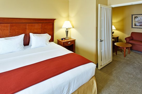 Holiday Inn Hotel Express & Suites West Hurst: Two Room King Suite