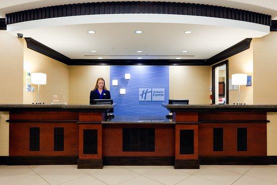 Saraland, AL: Front Desk