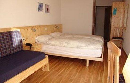 Les Diablerets, سويسرا: Double room north