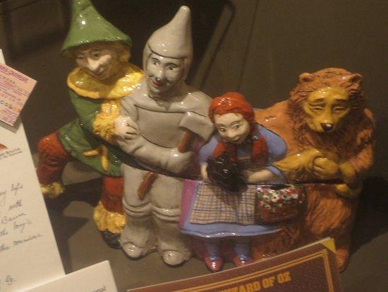 Wamego, KS: Dorothy and Friends Cookie Jar