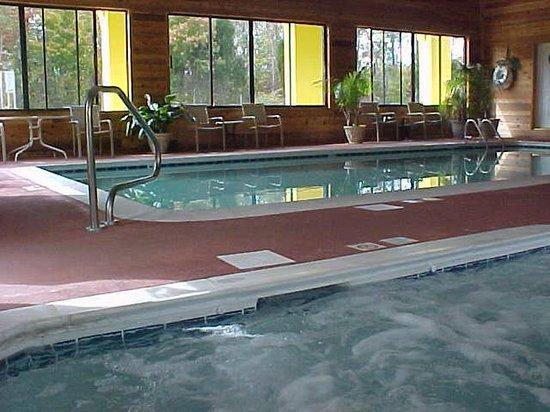Muldraugh, KY: Pool