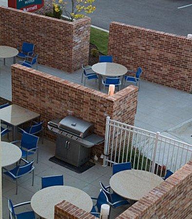 Springdale, AR: Outdoor Patio