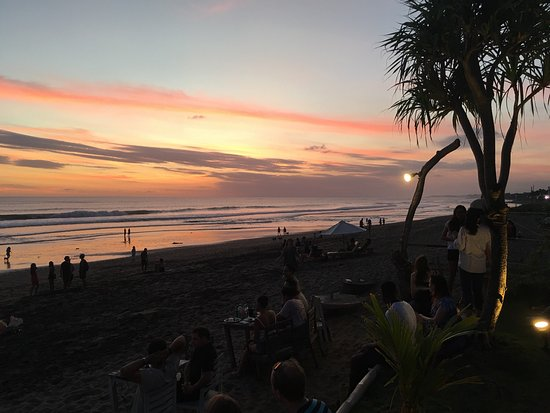 Fabulous sunset bar with chilled drum and bass tunes, bean