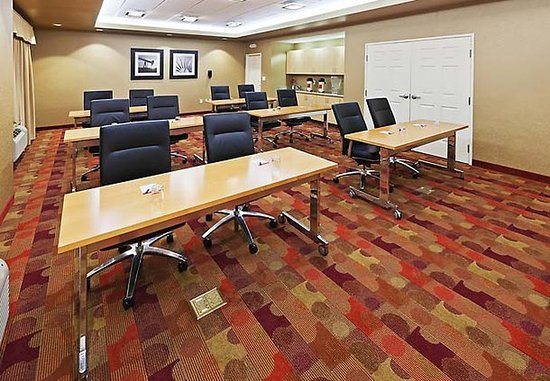 Broken Arrow, OK: Meeting Room – Classroom Layout