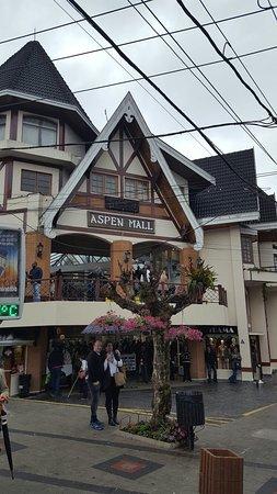 Aspen Mall