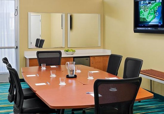 Saginaw, MI: Meeting Room