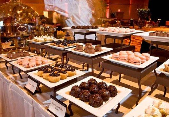 La Vista, NE: Dessert Station