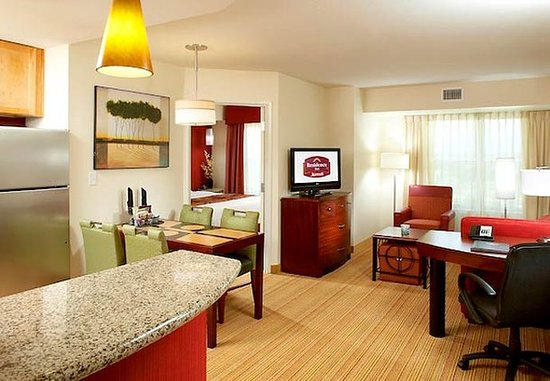 The Colony, TX: Two-Bedroom Suite
