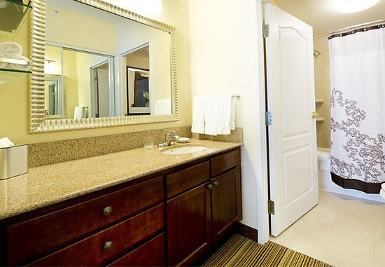 The Colony, TX: Suite Bathroom