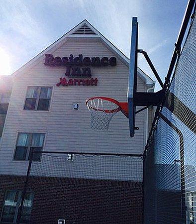 Columbus, IN: Sport Court