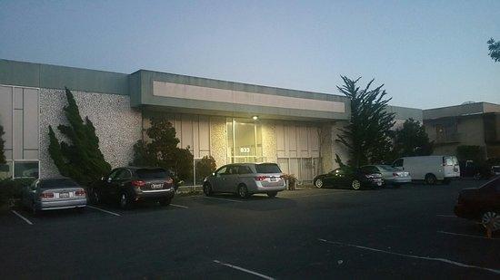 Бурлингейм, Калифорния: Hidden away inside  a non-descript building on a side street