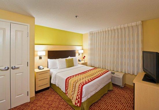 Easton, Pensilvania: One-Bedroom Suite Bedroom