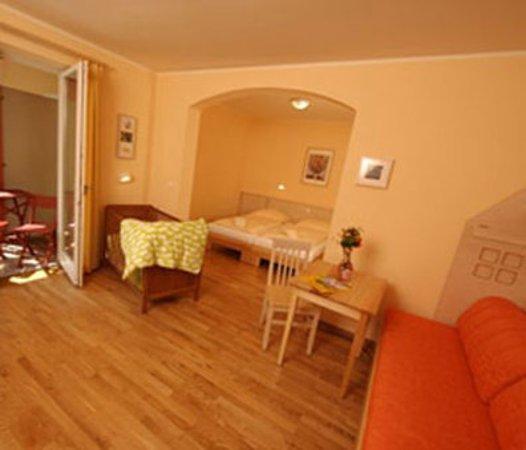 Nordlingen, Almanya: Three-Bedroom