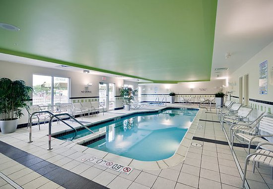 Oak Creek, WI : Indoor Pool