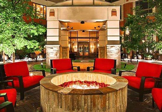 Allen, TX: Courtyard Fire Pit