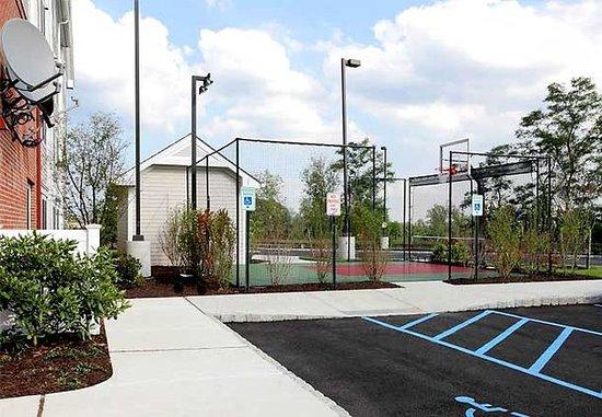 Yonkers, État de New York : Sport Court