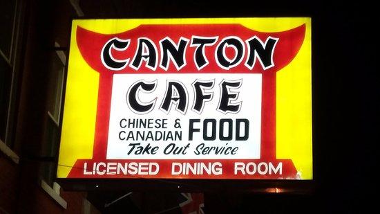 Canton Cafe: Signage outside
