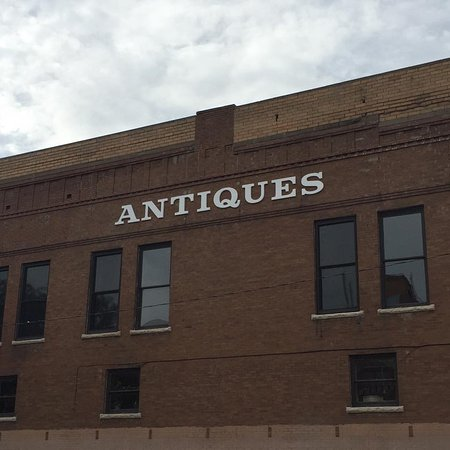 Dodge City, KS: Boot Hill Antiques