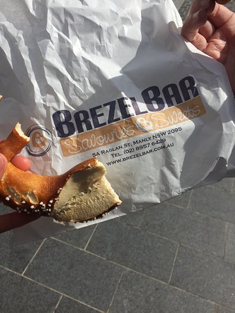 Brezel Bar: !Absolut authentic! When you want to eat a tasty real German Brezel you have to come to this Pla