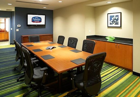 Fairfield Inn & Suites Cumberland: Executive Boardroom