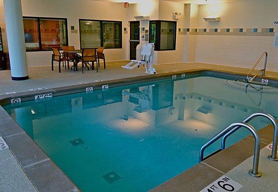 คลาร์กสวิลล์, เทนเนสซี: Indoor Pool