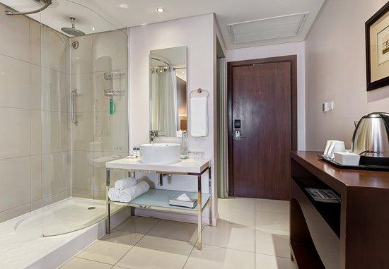 Kempton Park, Sudáfrica: Business Class King - Bathroom