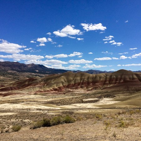 John Day Fossil Beds National Monument: painted hills landscape