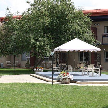 Lewistown, MT: Yogo Inn Courtyard