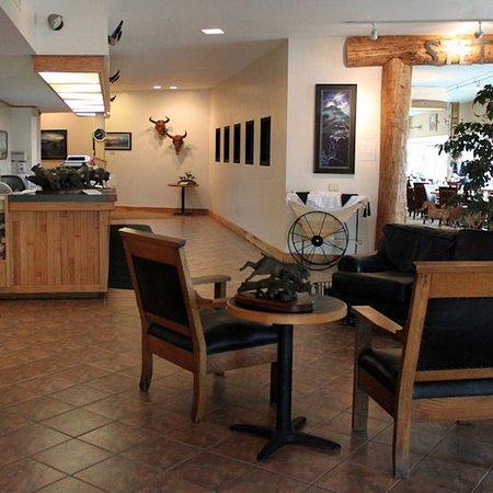 Lewistown, MT: Yogo Inn Lobby