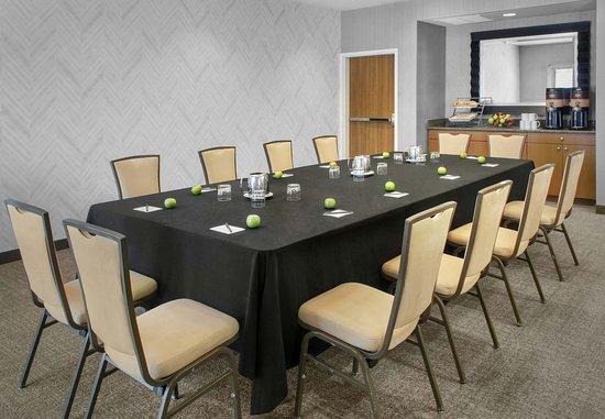Bellport, NY: South Folk Meeting Room