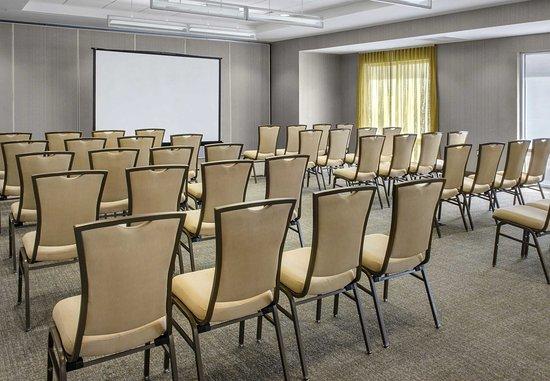 Bellport, นิวยอร์ก: Brookhaven Meeting Room