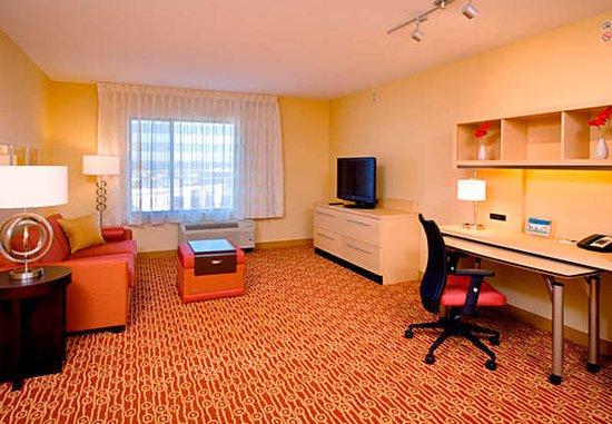 Orem, UT: One-Bedroom Suite