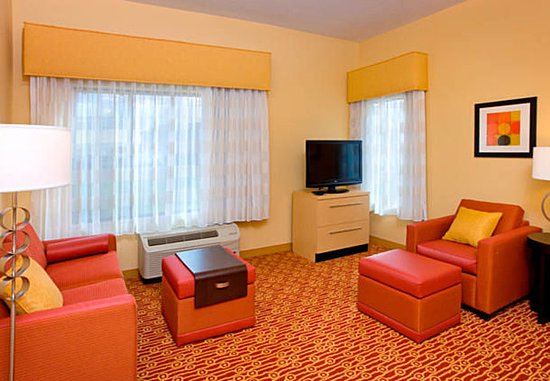 Orem, UT: Two-Bedroom Suite