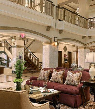 Hotel Blackhawk, Autograph Collection: Historic Lobby Atrium