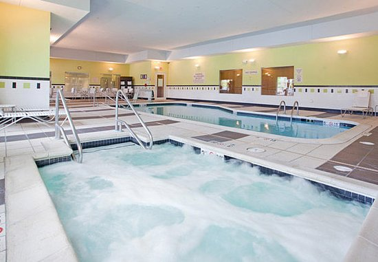 Grand Island, NE: Indoor Hot Tub