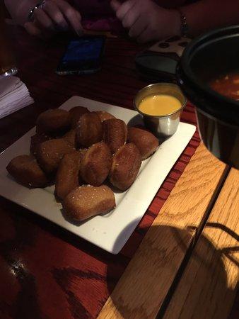 Red Robin Gourmet Burgers: photo3.jpg