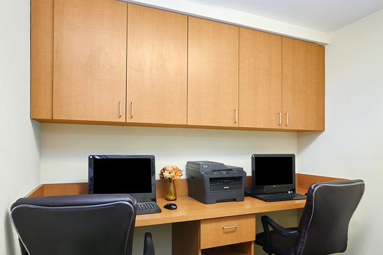Candlewood Suites Fayetteville: Print documents or check email in our Business Center