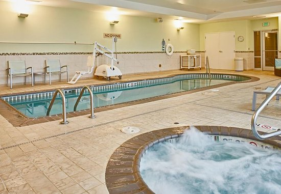 Aurora, CO: Indoor Pool & Hot Tub