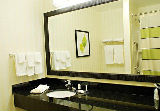 Millville, Нью-Джерси: Guest Bathroom