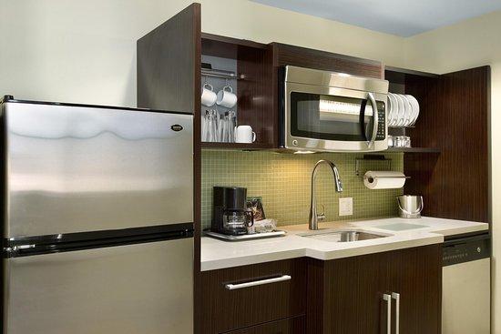 Home2 Suites by Hilton San Antonio Downtown - Riverwalk: Home2 Suites by Hilton San Antonio Downtown - Studio Suite Kitchen